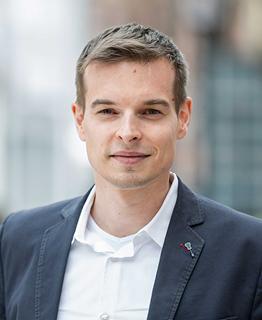 Dipl.-Inf. Arne Müller